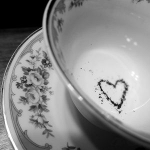 black and white tea heart cup