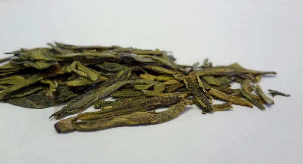 green tea leaves dragonwell